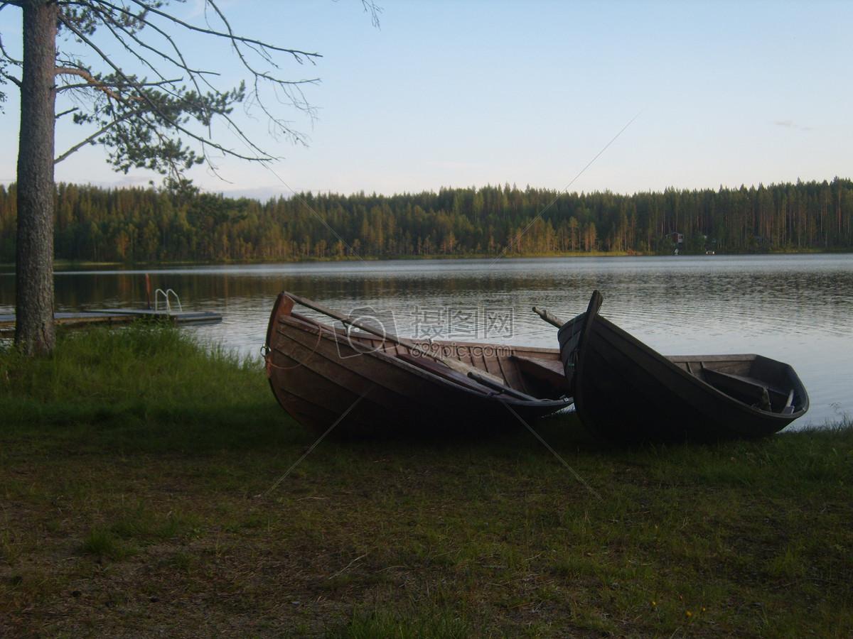 特写 湖边 小船/湖边的小船特写收藏免费下载