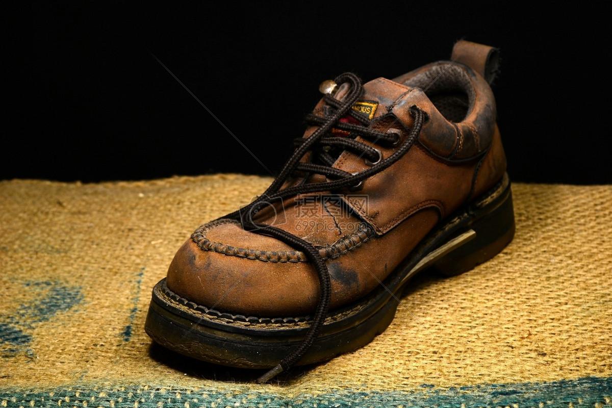 破旧的大头皮鞋背景/素材免费下载_格式:jpg_大小:x